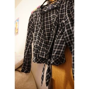 ABERCROMBIE AND FITCH Black Plaid Wrap Top